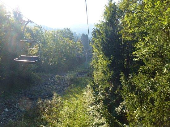 Bergbahnen Dreilaendereck: Open conveyances at a cable