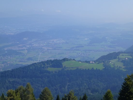 Arnoldstein, Austria: Another spacious view