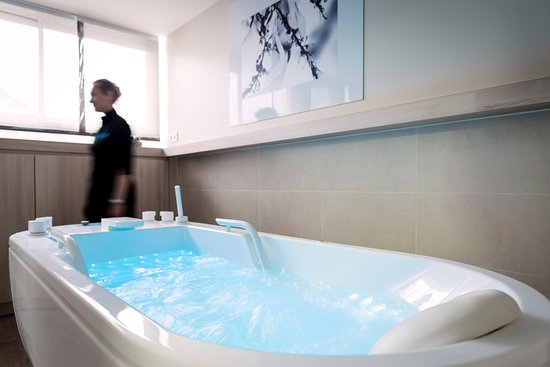 Thalasso Deauville by Algotherm : Bain Hydormassant