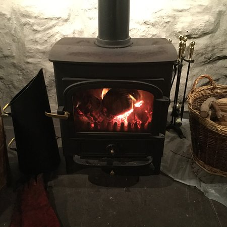 Llanbedrog, UK: Cozy fire