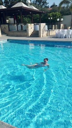 Caravel Hotel: Бассейн