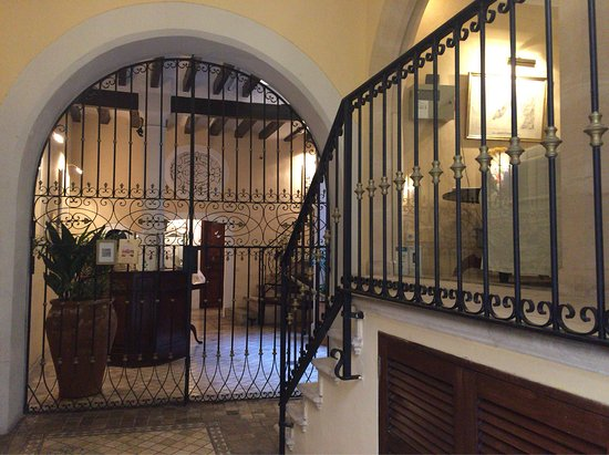 Hotel San Lorenzo: from room 5 and breakfast