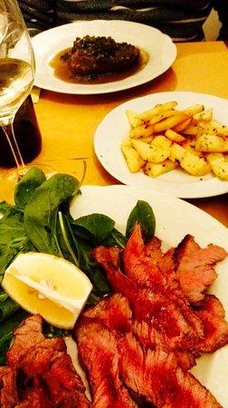 Casole d'Elsa, Italia: tagliata e filetto al pistacchio con patate