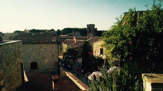 Casole d'Elsa, Italia: mensano,la splendida cornice di osteria del borgo