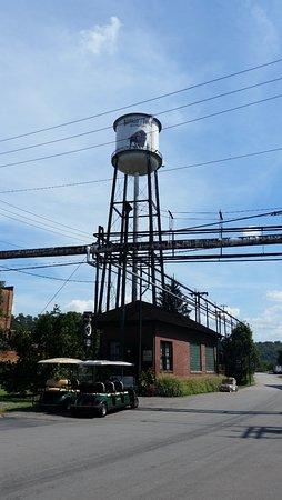 Harrodsburg, KY: Buffalo Trace water tower