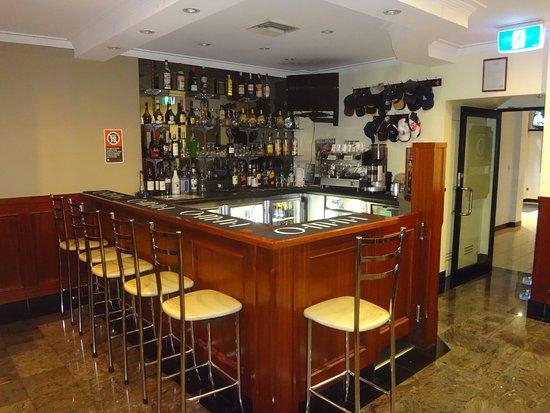 Gardenia Motor Inn: BAR AREA