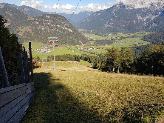 St. Ulrich am Pillersee, Austria: Heerlijk naar boven gewandeld en terug. Veel mooie natuur te zien.