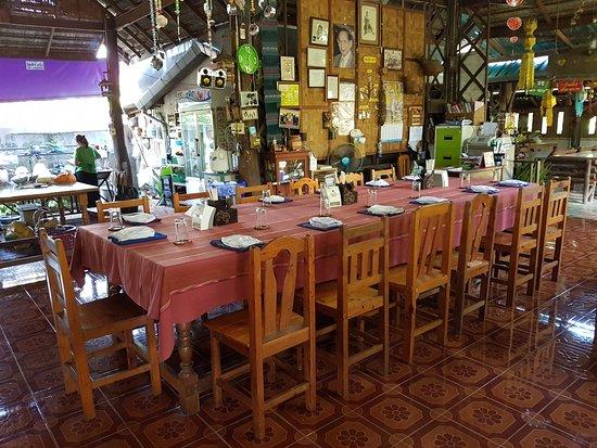 Saraphi, Thailand: Dining area