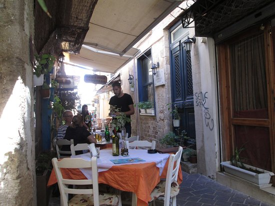 Dias Studios & Apartments: Chania cafe