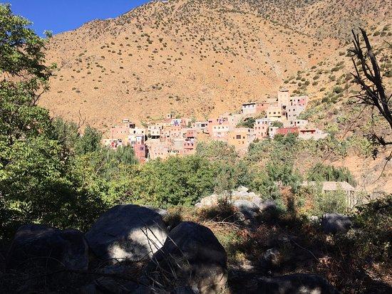 Marrakech-Tensift-El Haouz Region, Marokko: A village in Atlas Mountains