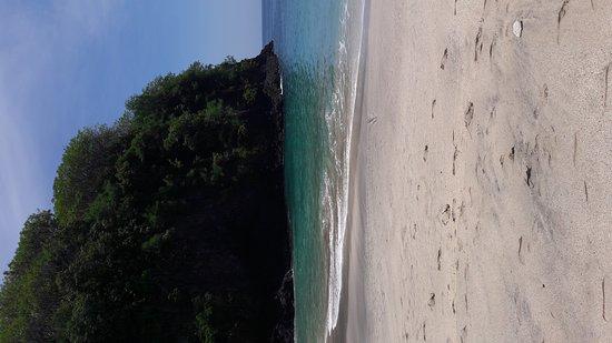 Tulamben, Indonesia: White sands beach