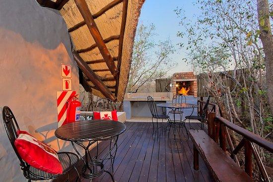Marloth Park, Sudáfrica: Moroccan Chalet Private Patio