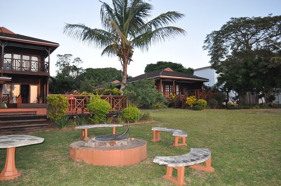 Sunset Lodge: Braai area