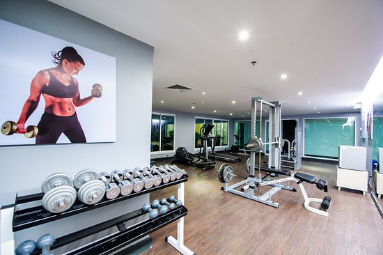 Hotel Selection Pattaya : Gym with t readmill, bike, lead barbell & free weights