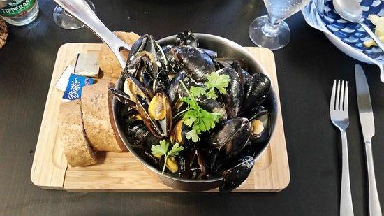 Glandore, Irland: Mussels & Homemade Beer Bread