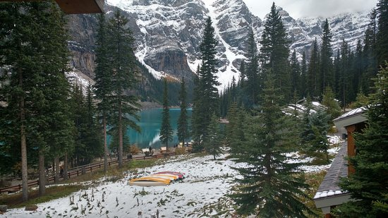 Moraine Lake Lodge Photo