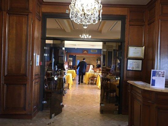 Domme, فرنسا: Ресторан
