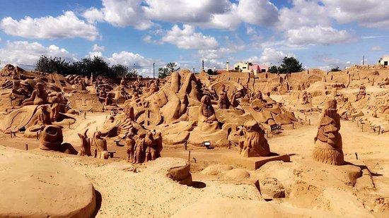 Pera, البرتغال: Artistic sculptures