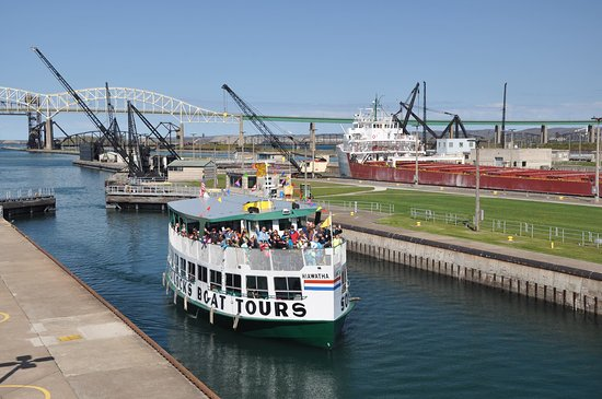 Soo Locks Boat Tours And Dinner Cruises