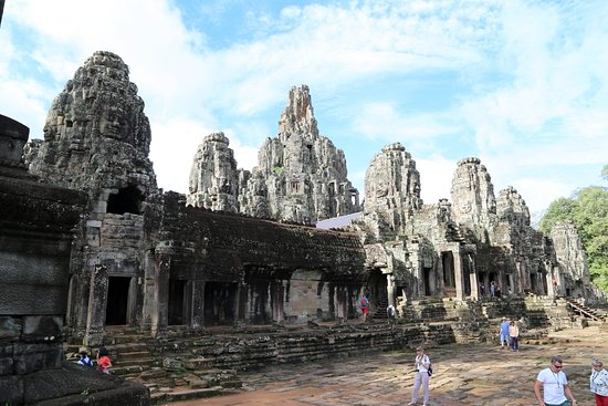Angkor Wat: Храм Байон