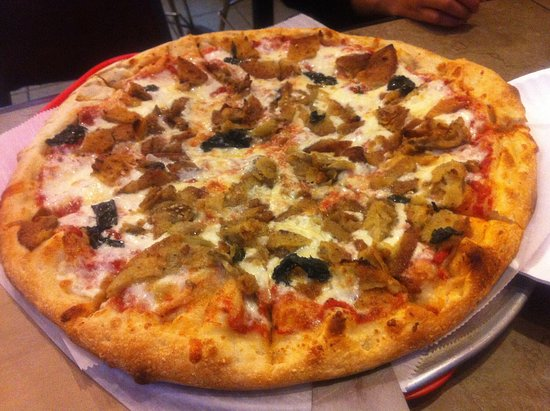 Northampton, MA: Amore Special: Garlic, eggplant, basil, mozzarella, parmesan cheese.