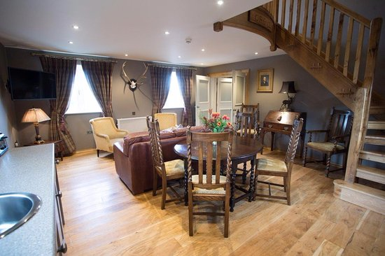 Barnby Moor, UK: Luxury Lodges - Galleried bedroom, lounge & kitchenette