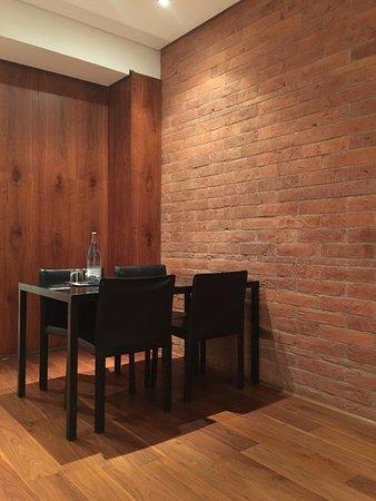 Suites Avenue: dining