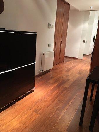 Suites Avenue: corridor
