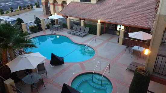 Manteca, CA: Pool area