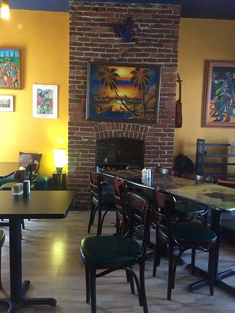Danville, PA: Our Front Dining Area. Cozy, warm and inviting. Yummy too!