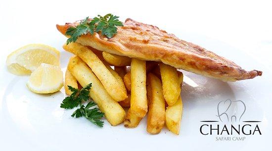 Lake Kariba, Zimbábue: Changa's famous fish and chips
