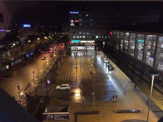 Motel One Wien Westbahnhof Photo