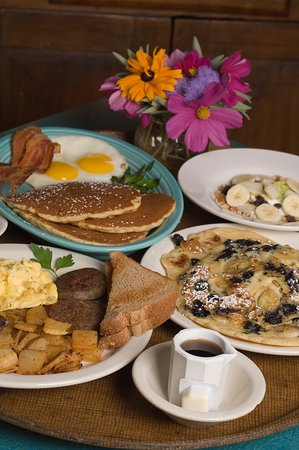 Bright Morning Breakfast: Hearty country breakfasts with speciaty pancakes