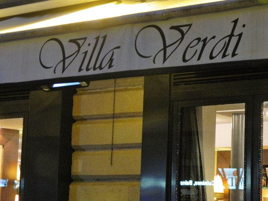 Villa Verdi: devant le resto