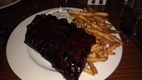 Slocums Grill & Bar : Ribs, good portion and delicious