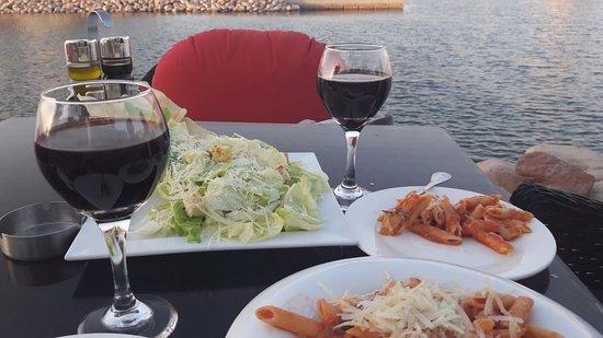 Suzana Restaurant & Bar: Food