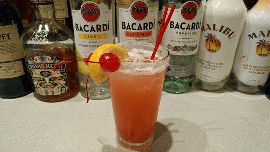 Green Valley, AZ: Strawberry amaretto lemonade