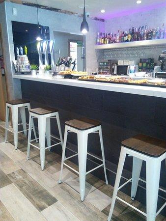 Restaurante labarra taberna en zumaia con cocina otras for Cocinas europeas