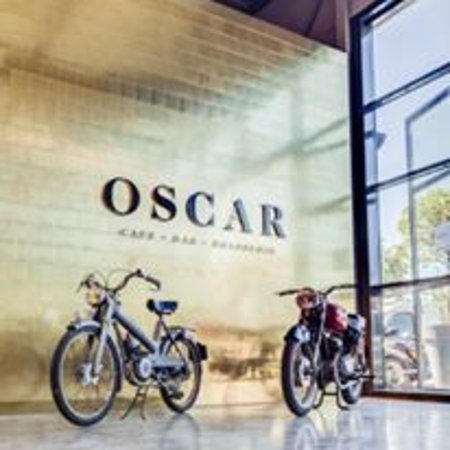 Villeurbanne, Francia: OSCAR Café,Bar, Brasserie