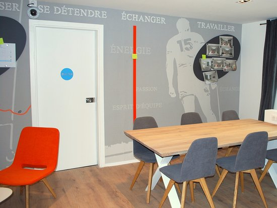 espace co working et social wall photo de hotel ibis styles toulouse nord sesquieres toulouse. Black Bedroom Furniture Sets. Home Design Ideas