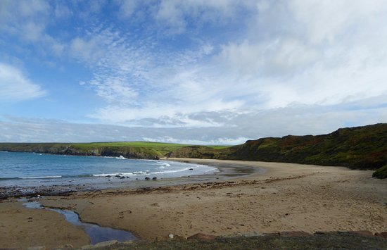 Aberdaron, UK: Whistling Sands Beach from the Cafe