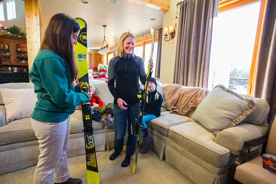 Big Sky, MT: Discussing the ski technology