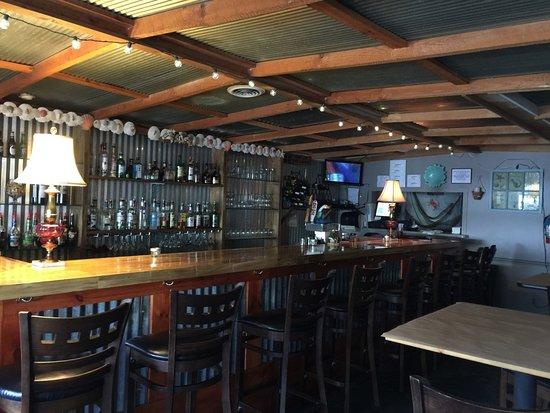 Beaufort, NC: Interior on bar side
