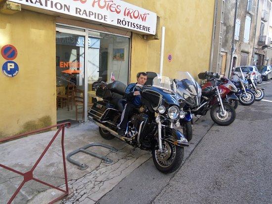 Saint-Hippolyte-du-Fort, فرنسا: belles motos