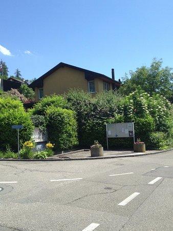 Gebenstorf, Schweiz: Haus in der Kurve von Sandstrasse/Reichstrasse