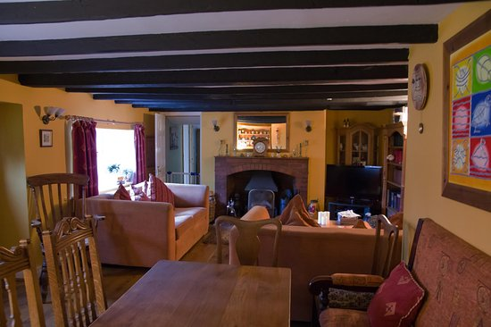 Alwinton, UK: Breakfastroom/guest lounge