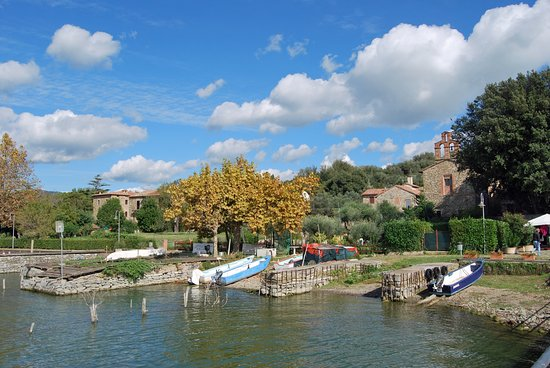 Tuoro sul Trasimeno, Italie : Isola Maggiore: vista dal molo.