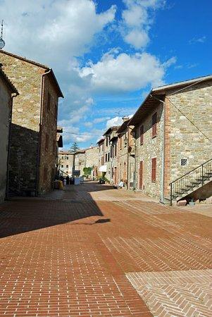 Tuoro sul Trasimeno, Italie : Isola Maggiore: il borgo.