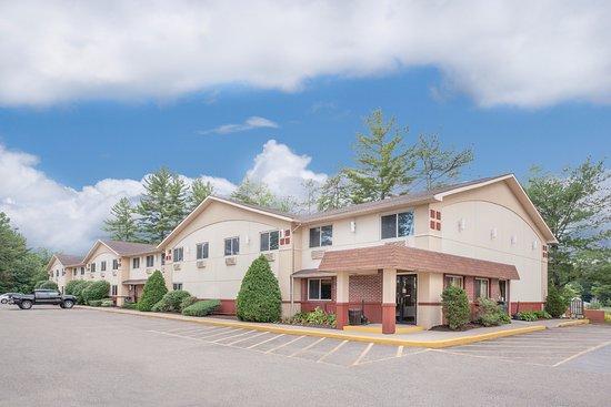 Glens Falls, estado de Nueva York: Hotel Front