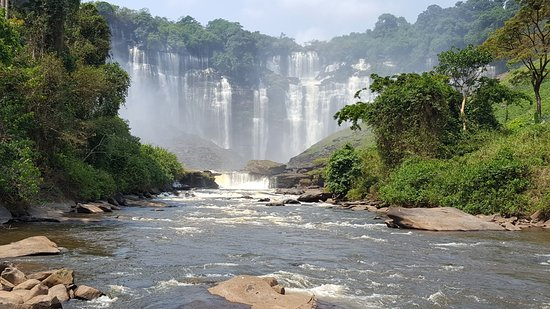 Kalandula, แองโกลา: Waterfall from the river below